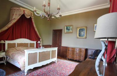 Le château de La Baronnière et ses 15 chambres vous accueille pour des séjours.