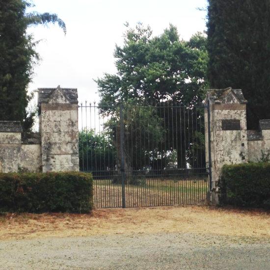 La grille de L'avenue, l'ancienne entrée de La Baronnière
