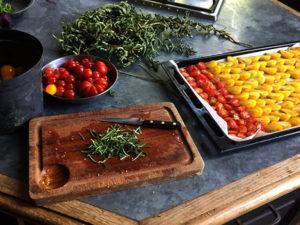 La Baronnière - Tomates séchées : ajoutez le sucre et le romarin
