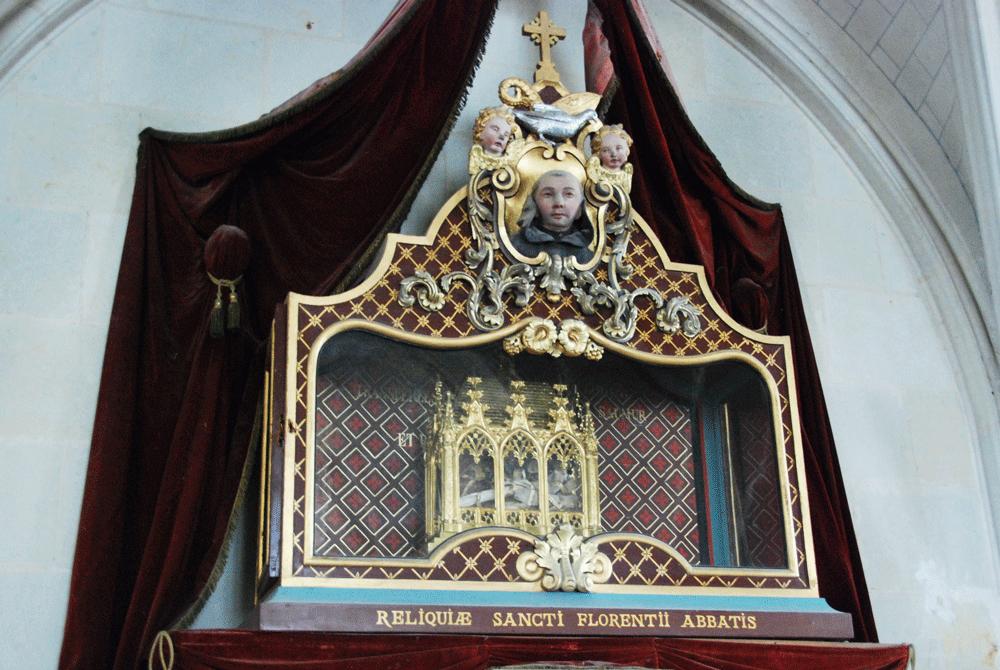 Relique de Saint Florent dans l'abbatiale de Saint-Florent-Le-Vieil