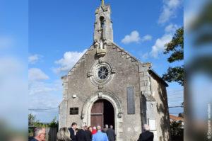 Les membres du Souvenir vendéen devant la chapelle Sainte-Apolline de Draine