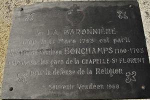 Guerre de Vendée : l'ancienne plaque mémorielle sur la chapelle de La Baronnière