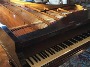 Le piano Erard de La Baronnière après restauration.