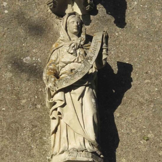 Photos de La Baronnière : Sainte-Anne sur la façade de la chapelle