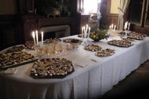 Locations au château de La Baronnière : l'un des buffets de petits fours