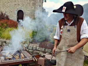Reconstitution d'une forge de Vendéens